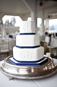 Oh my goodness, this has to be a navy wedding cake! So cute!