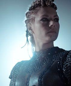 Katheryn Winnick Vikings, Vikings Lagertha, Ragnar Lothbrok, Viking Braids, Viking Hair, Vikings Tv Series, Vikings Tv Show, Viking Warrior, Viking Woman