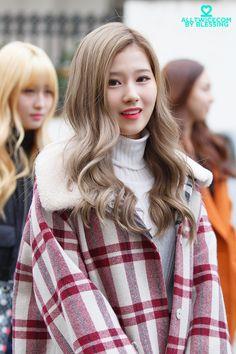 sana, twice, and kpop image Nayeon, South Korean Girls, Korean Girl Groups, K Pop, Twice Clothing, Sana Minatozaki, Twice Sana, Brown Eyed Girls, Dahyun