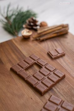 All Details You Need to Know About Home Decoration - Modern Chocolate House, Diy Weihnachten, Projects To Try, Modern, Home Decor, Recipes, Meal, Noel, Milka Chocolate