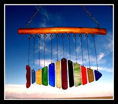 MOBILE: Colorful Hand Cut Stained Glass Fish Wind by mexicobeachgirl Stained Glass Birds, Stained Glass Designs, Stained Glass Panels, Sea Glass Art, Stained Glass Projects, Stained Glass Patterns, Mosaic Glass, Fused Glass, Glass Wind Chimes