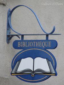 Enseignes Locronan 3 open book bookstore sign library