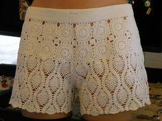 Crochet Pants, Crochet Skirts, Knit Shorts, Crochet Clothes, Crochet Lace, Crochet Bikini, Lace Shorts, Short Tejidos, Crochet Fashion