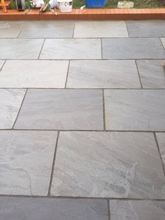 Silver Grey Indian Sandstone Paving Slabs Large Size Paver Slabs In Garden