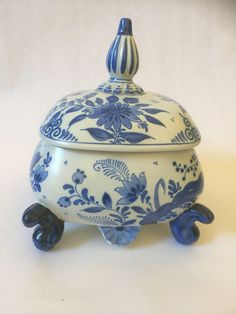 Your place to buy and sell all things handmade Vintage Home Decor, Unique Vintage, Home Goods Decor, Hollywood Regency, Delft, Trinket Boxes, Chinoiserie, Vintage Shops, Eye Candy