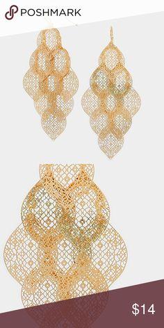 """Cluster Disc Earrings • Color : Gold  • Size : 1.5"""" W, 3.25"""" L  • Fish Hook Back • Metal Disc Cluster Earrings Jewelry Earrings"""