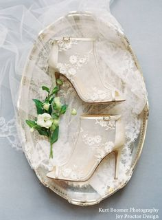 Here's an addition to the holiday gift ideas that supports small businesses. #bridalmusings #bmloves #etsy #supportsmallbusiness #shoes #accessories