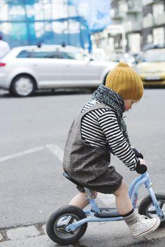 little boy outfit Little Fashion, Baby Boy Fashion, Toddler Fashion, Kids Fashion, Cute Kids, Cute Babies, Kids Bike, Stylish Kids, Fashionable Kids