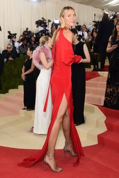 NEWS&Trends 3.5.2016....Maria Sharapova on Her Body-Skimming Met Gala Dress