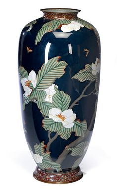 A large cloisonné enamel vase Meiji period (late century) Japanese Vase, Japanese Pottery, Asian Vases, Architecture Tattoo, Pottery Sculpture, Floral Garland, Chinese Art, Chinese Culture, Vases Decor