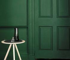 little greene puck is a dark green paint Green Kitchen Walls, Dark Green Kitchen, Green Paint Colors, Wall Colors, Dark Green Bathrooms, Masonry Paint, Little Greene Paint, Ikea, Traditional Paint