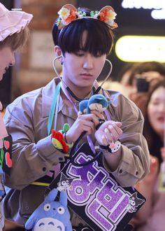 I Can Do Anything, Korean Group, Pop Singers, Boy Groups, Snow White, Disney Princess, Disney Characters, Kids, Seo