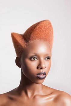 On the occasion of the British Hair Awards the British designer Lisa Farrall has unveiled her Amour Collection, an incredible series of Afro hairstyles African Hairstyles, Afro Hairstyles, Funny Hairstyles, Haircuts, Brown Skin, Dark Skin, Curly Hair Styles, Natural Hair Styles, Photographie Portrait Inspiration