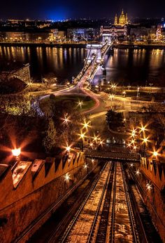 Night view over Danube - Szechenyi Chain Bridge, Budapest, Hungary