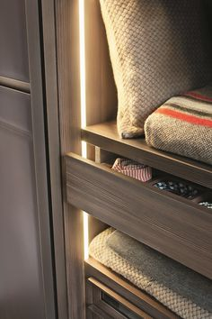 WARM Платяной шкаф By Lema дизайн David Lopez Quincoces