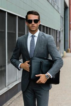 An impeccable look completed with the new BOSS Jet timepiece