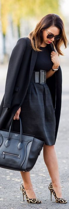 794da83d2a320 7 Style Tips On How To Keep Your Work Wardrobe Fashionable Great for work.  Love the wide belt with this fab skirt and form fitting top! All black
