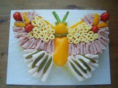 domácí pečení | Slané dorty Butterfly Food, Butterfly Birthday, Creative Snacks, Food Displays, Food Decoration, Fruit Art, Appetisers, Food Presentation, Food Design