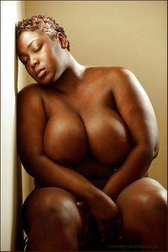 Schwarzer figürlicher Frauenakt — foto 7