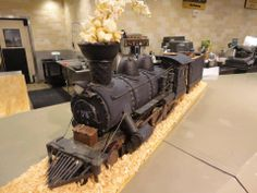 "Steampunk Tendencies | Gingerbread Train ""Black Steel"""