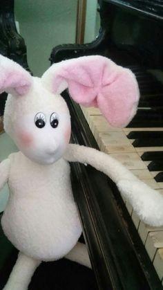 phrenos.terapia@gmail.com bunny, textile toys, handmade