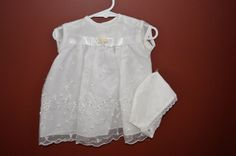 BABY GIRLS DEDICATION DRESS WITH BONNET SIZE 6-9 MONTHS NEW