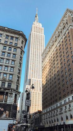 – New York City Photography Ideas New York Life, Nyc Life, City Aesthetic, Travel Aesthetic, Photographie New York, Japon Illustration, City Vibe, City Wallpaper, Concrete Jungle