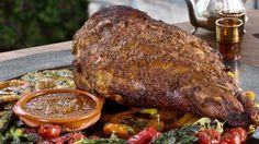 Une recette de méchoui d'agneau ou de cabri aux épices berbères, présentée sur Zeste et Zeste.tv.