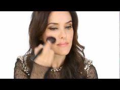 Lisa Eldridge, artista de make up, ensina-te a aplicar o novo Rouge Coco Shine, da Chanel no nosso 'Daily Video'. Para veres outros vídeos vai a: http://nstylemag.com/