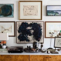 Design Inspiration: 5 of Our Favorite Ways to Showcase Sculpture at Home Masculine Interior, Interior Design Elements, Art Gallery, Gallery Walls, Salon Style, Stay Classy, Decorating Tips, Design Inspiration, Sculpture