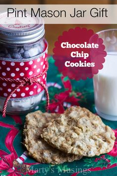 Need an easy, personal gift for teachers, friends or family? This Chocolate Chip Oatmeal Cookie mix is made in a pint jar and decorated with easily found objects from around the house. Bump up your creativity and give a homemade gift this year! Project found at Marty's Musings blog.
