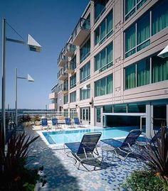 Marriott Waterfront Seattle: Indoor/ Outdoor Pool