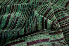 """Der Refreshed Teppich """"Fields Of Green"""" ist die ideale Ergänzung für eine moderne Einrichtung. Das lebendige Grün des Teppichs sorgt für den besonderen Farbtupfer in ihrer Einrichtung und lässt sich vielseitig kombinieren."""