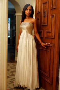 Kerry Washington as Olivia Pope wearing Jean Fares. I couldn't focus on the plot because I was studying the dress.