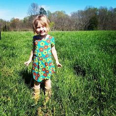 Oh to have the adventurous imagination of a young child! This little sugar dollie is looking siluper cute in her LuLaRoe Mae dress.   #lularoe #lifeinlularoe #lularoesugardolliesboutiquellc #lularoemae #lularoeeveryday