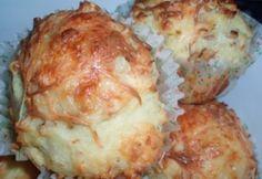 Sült hagymás-sajtos muffin recept képpel. Hozzávalók és az elkészítés részletes leírása. A sült hagymás-sajtos muffin elkészítési ideje: 30 perc Pizza Recipes, Mashed Potatoes, Cauliflower, Cheese, Chicken, Baking, Vegetables, Ethnic Recipes, Food