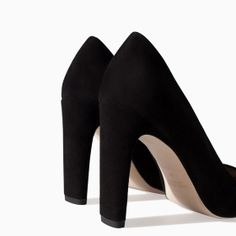 Image 4 of LEATHER COURT SHOE WITH WIDE HEEL from Zara