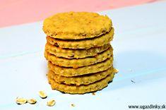 Veľmi jednoduché bezlepkové ovsené sušienky sú vyrobené bez alergénov lepku, sóje, vajec, orechov, … a keďže som použila bezlaktózové produkty akými sú mlieko a maslo sú vhodné aj pre ľudí trpiacimi laktózovou intoleranciou Bezlepkové ovsené sušienky obsahujú 100 % bezlepkovú ovsenú múku spolu so 100 % bezlepkovými ovsenými vločkami …