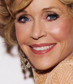 BEAUTYGEEKS: Jane Fonda, 75, wears shimmery, metallic eye shadow. Get the look: http://imabeautygeek.com/2013/04/26/f-is-for-fonda-jane-how-to-do-your-eye-makeup-like-hers/
