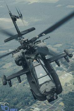 Dutch Apache looking badass behind the Skyvan | Apron 6