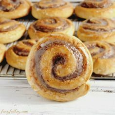 Get ready to be addicted to these traditional south-west German pastry, equivalent to cinnamon rolls but also so much different as it has ground hazelnuts or almonds for fillings! German Desserts, German Recipes, Filipino Desserts, Dutch Recipes, Mini Desserts, Plated Desserts, German Baking, German Bread, German Cake