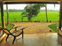 A rural home in Kerala Kerala Traditional House, Traditional Style Homes, Village House Design, Village Houses, Manor Houses, Beautiful Homes, Beautiful Places, Kerala Travel, Village Photography