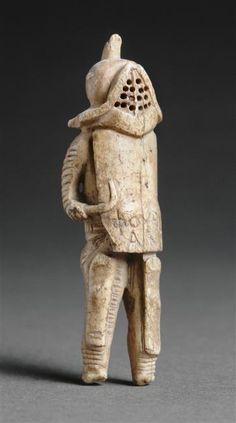 Gladiator - Thracian, Roman statuette (bone), 1st century AD, (Musée du Louvre, Paris).