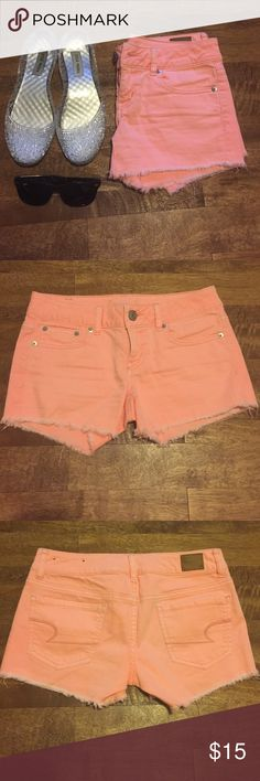 AE Shorts Like new American Eagle shorts in the cutest coral color! Perfect for summer! Size 2! Color best represented in the first photo. Let me make you a bundle! :) American Eagle Outfitters Shorts
