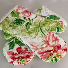 2 April Cornell Matching Oven Mitts Classic Floral Peach Green Quilted GIFT NWT #AprilCornell