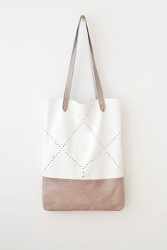 "Size: 33 x 44 cm (13"" x 17"") Strap length: 60cm (23.5"") No lining (inside natural leather suede)"