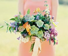 free-flowing bouquet made by Finch & Thistle