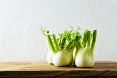 Fennel is a popular addition to many dishes for its robust flavor. But the health benefits of fennel are equally impressive! Fennel Health Benefits, Fennel Essential Oil, Fennel Tea, Real Food Recipes, Healthy Recipes, Healthy Foods, Fennel Recipes, Farmers Market Recipes, Winter Dishes
