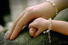 Quotes of Daughters in Urdu: Mother-daughter quotes, father-daughter quotes. Best mother-daughter and father-daughter sayings. Treat daughter like a Queen. Importance of daughter in Islam. Islamic quotes on birth of daughters, etc.