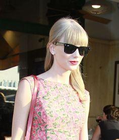 Taylor Swift #rayban wayfarer